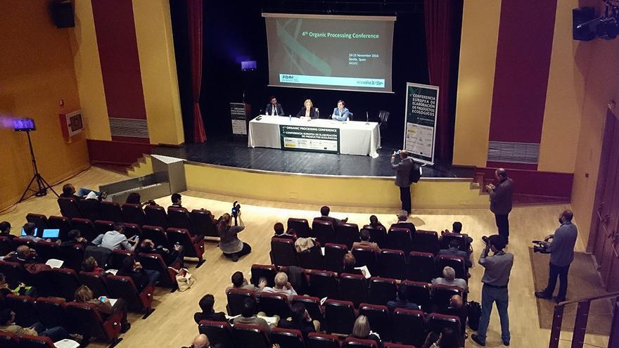El sector de la producción agrícola ecológica, a debate en Sevilla.