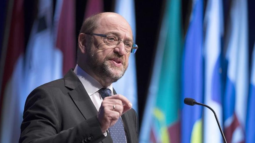 """Schulz pide en Maastricht acabar """"con el juego de culpar de todo a Bruselas"""""""