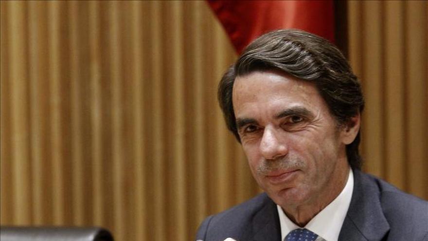 """Aznar afirma que no está """"contra nadie"""" sino que está """"con los españoles"""". / Efe"""