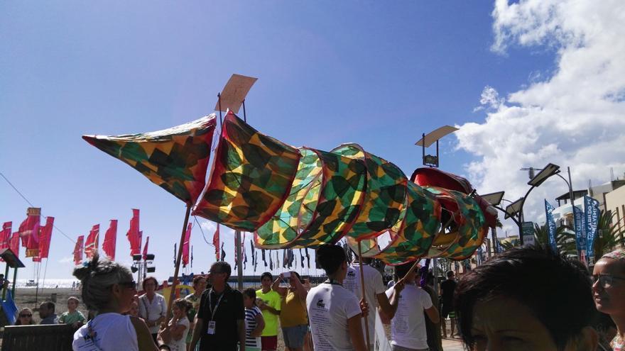 Pasacalles WOMAD Fuertventura (Nidia García)