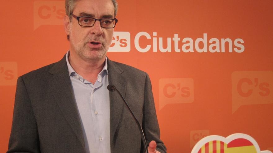 """Villegas (C's) comparte con el Rey la necesidad de """"consenso"""" entre partidos"""
