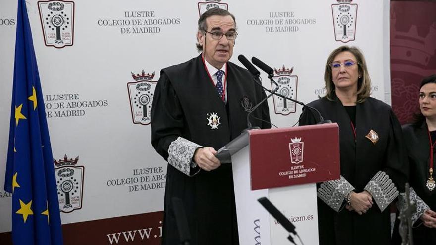El nuevo decano de Abogados de Madrid se compromete con la unidad de España