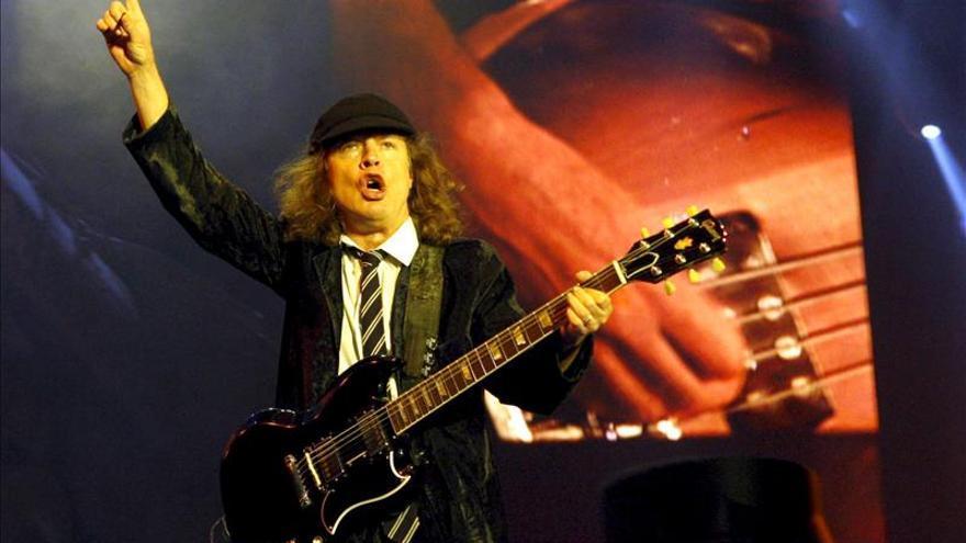 """Angus Young dice que la intención del grupo es que """"AC/DC siga adelante"""""""