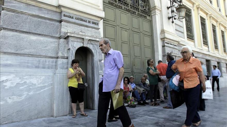 Las filiales de bancos griegos en Chipre no se verán afectadas por el corralito