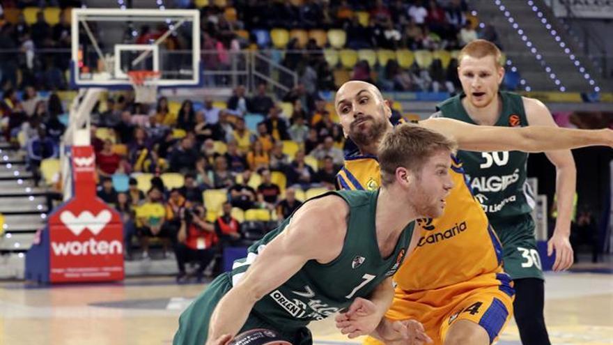 Imagen del encuentro entre el Gran Canaria y el Zalgiris, disputado este viernes. (EFE)