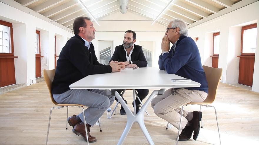 Emilio Pérez Touriño y Anxo Quintana durante la entrevista con eldiario.es
