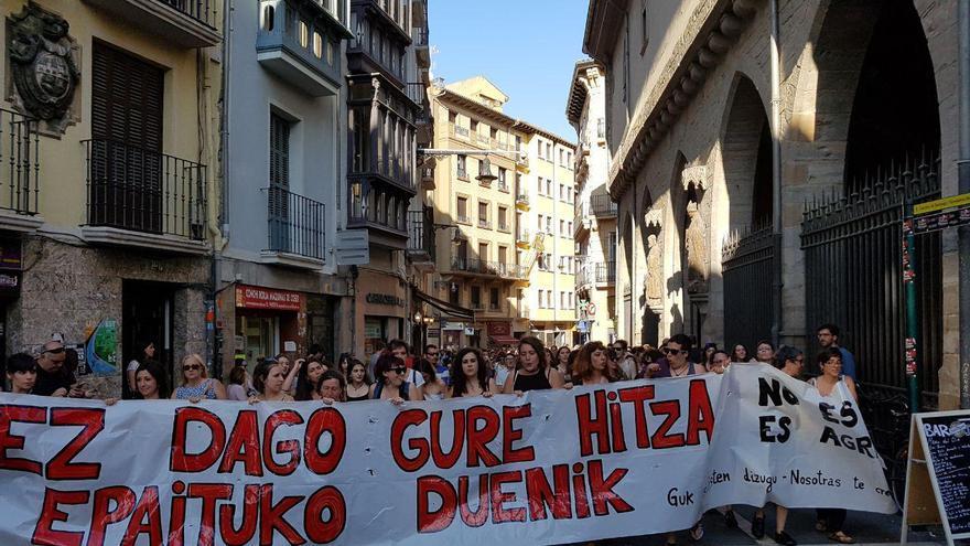Concentración en Pamplona contra la libertad de la 'la manada'