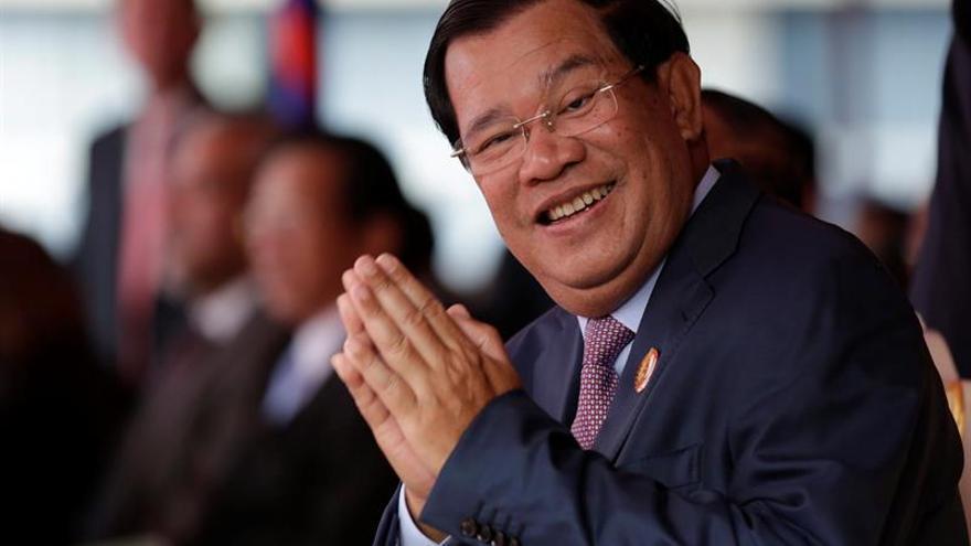 Hospitalizado en Singapur el primer ministro de Camboya por agotamiento