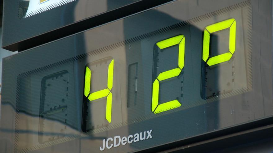 Un termómetro en Madrid. Foto: cc Antonio Tajuelo vía Flickr