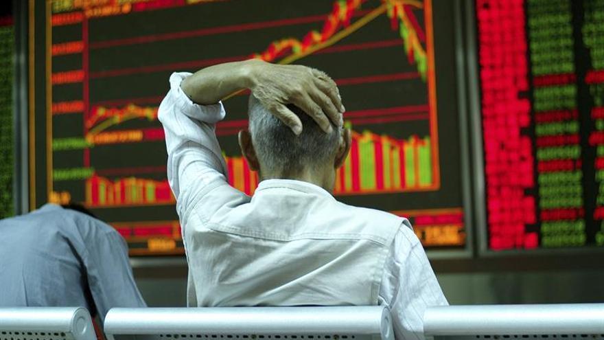 La Bolsa de Shanghái comienza en rojo pero suma un 0,09 % en primeros minutos