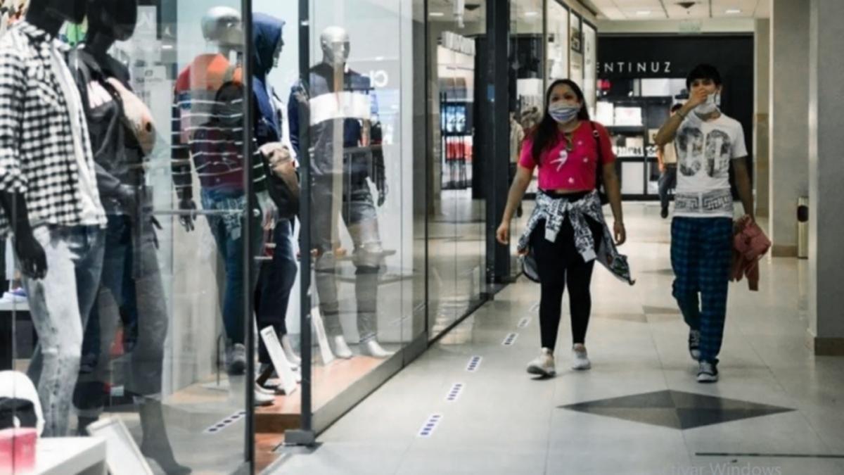 Consumo en centros comerciales, ahora cerrados por la pandemia.