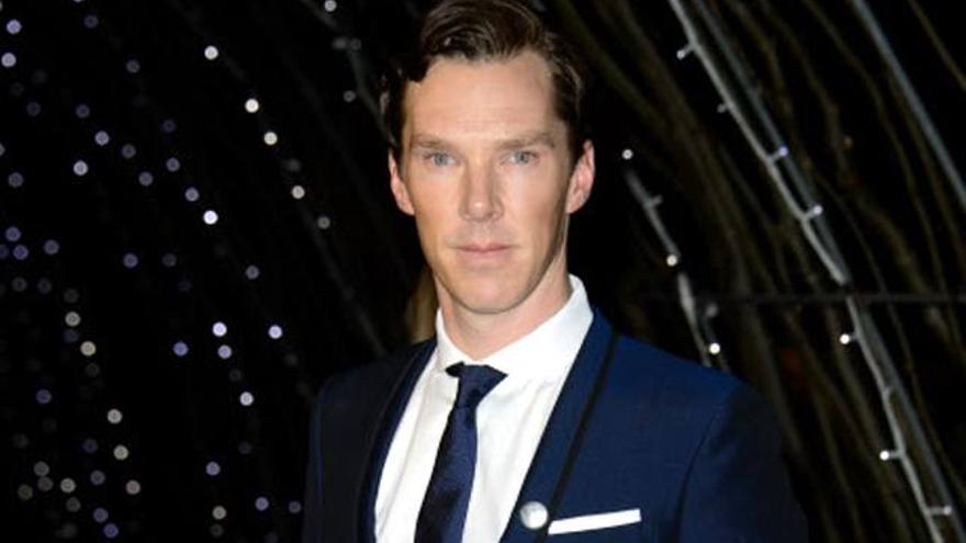 Benedict Cumberbatch ('Sherlock') sorprende con un curioso truco de magia