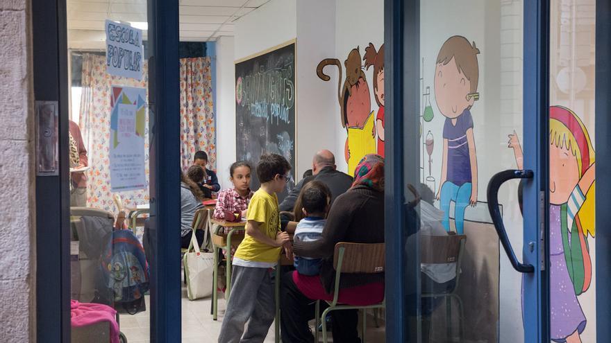 La escuela popular de la PAH se encuentra en una de las calles más céntricas de Manresa