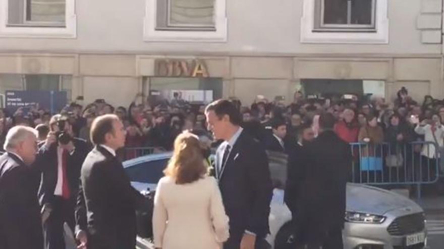 Pedro Sánchez a su llegada al Congreso de los Diputados en el Día de la Constitución.
