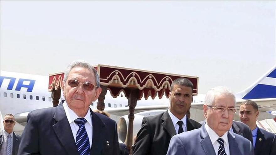 Castro se reúne con el primer ministro argelino para impulsar el intercambio
