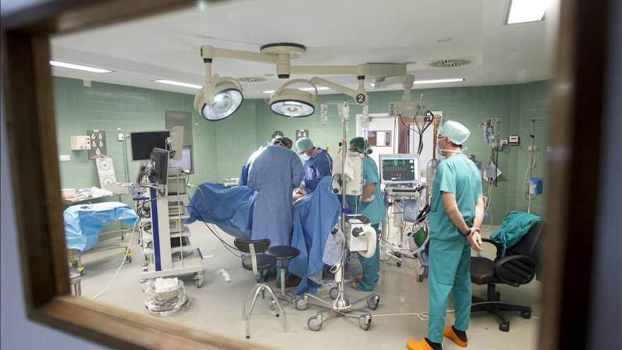 Logran en Australia hacer un trasplante de corazón que había dejado de latir