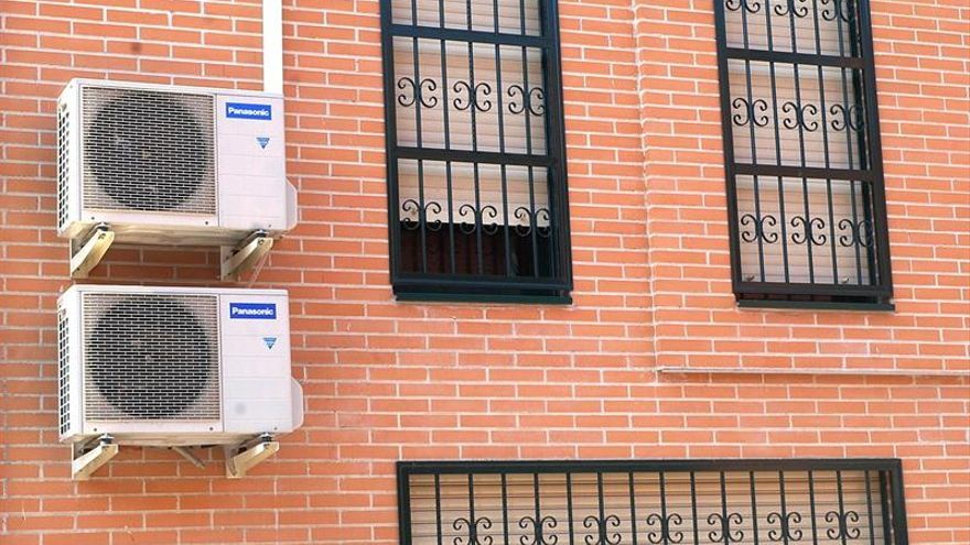 Aire acondicionado y COVID-19: seguro en casa, no tanto en comercios concurridos
