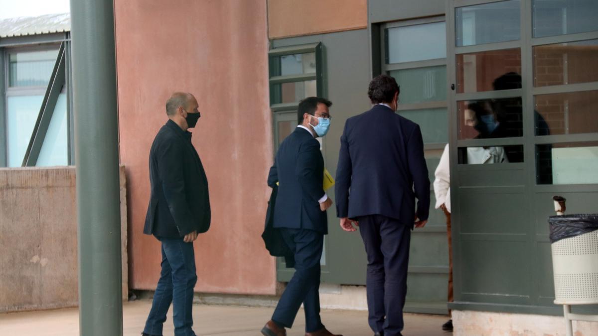 Aragonès entra en la prisión de Lledoners para reunirse con Jordi Sànchez