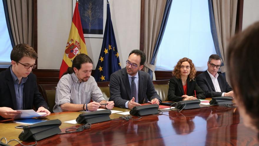 Podemos renuncia a comparecer tras la reunión con PSOE y Ciudadanos y pospone sus explicaciones a mañana