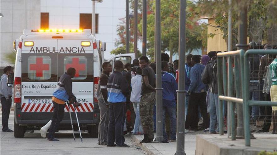 Unos 400 inmigrantes acceden a Melilla, una de las mayores entradas