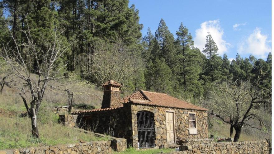 'Pajero' restaurado junto a la Montaña de La Yedra (El Paso).