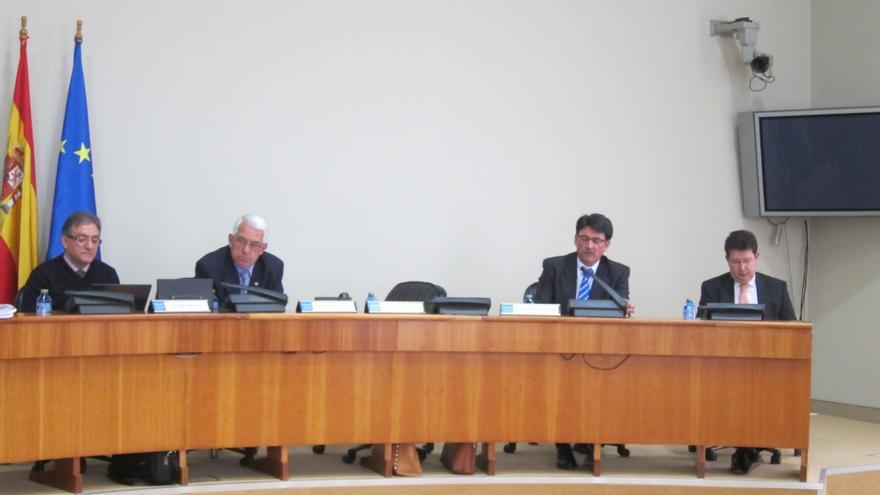 """Galicia admite """"falta de información"""" sobre la reforma judicial y """"cosas que no encajan"""" en las palabras de Gallardón"""