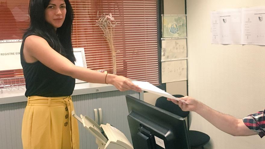 Naiara Davó recoge su acta como diputada en las Corts Valencianes