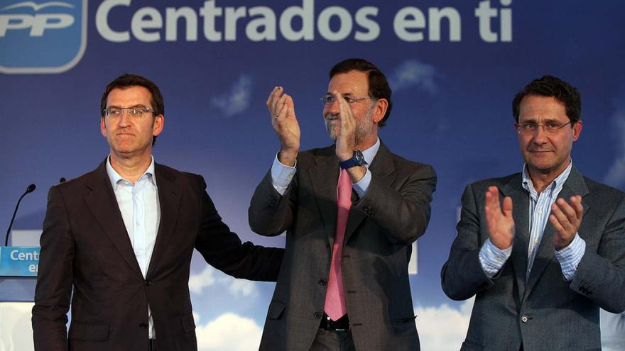 Feijóo, Rajoy y Conde Roa, en un mitin en 2011