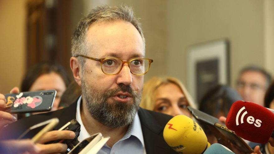 """Girauta llama """"nacionalista"""" a Núñez Feijóo y le acusa de """"discriminar el castellano"""""""