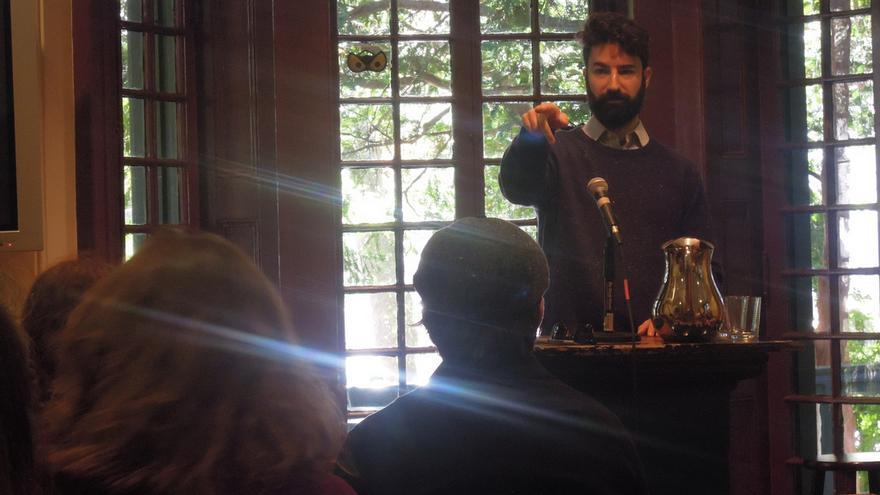 Jeremy Greenfield en una conferencia el pasado mes de noviembre//  Kelly Writers House staff