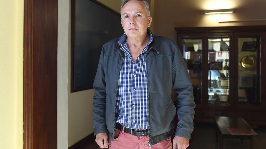 El empresario José Padilla, a su salida de la comisión municipal que indagó sobre el caso Grúas. Sergio Méndez / Diario de Avisos.