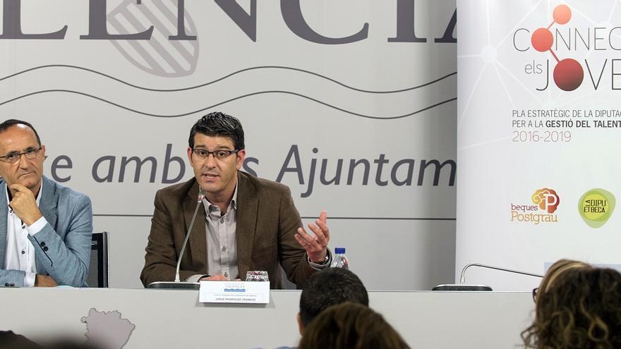 Bartolomé Nofuentes y Jorge Rodríguez han presentado el nuevo plan provincial para jóvenes