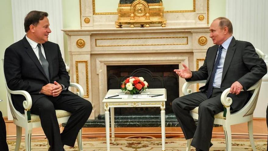 Varela trata con Putin el impulso de cooperación y turismo y asiste al Mundial