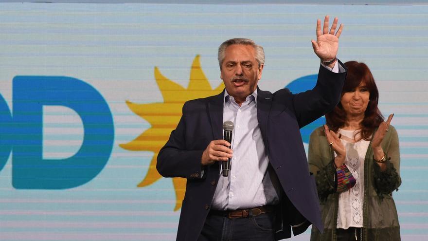 Alberto Fernández, único orador en la noche de las PASO.