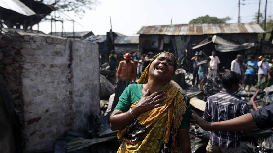 Mueren siete personas en un incendio en un taller textil en Bangladesh