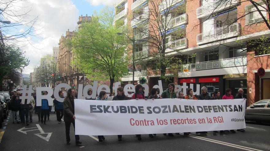 """Piden al Gobierno vasco que no haya """"recortes"""" en prestaciones sociales y se eliminen impedimentos para acceder a la RGI"""