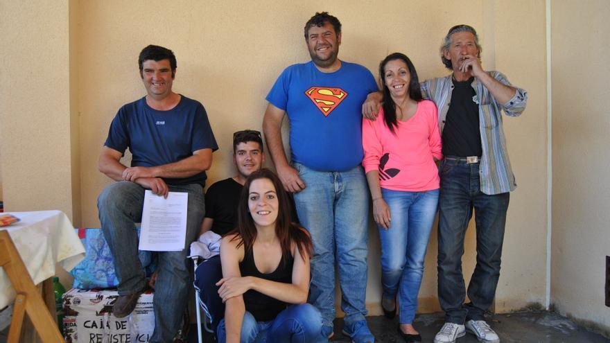 Foto de familia de los habitantes de la Corrala de Mérida