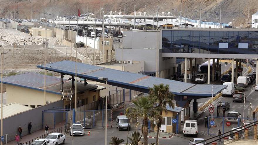 Cierran casi una hora la frontera entre Ceuta y Marruecos por una protesta de motoristas