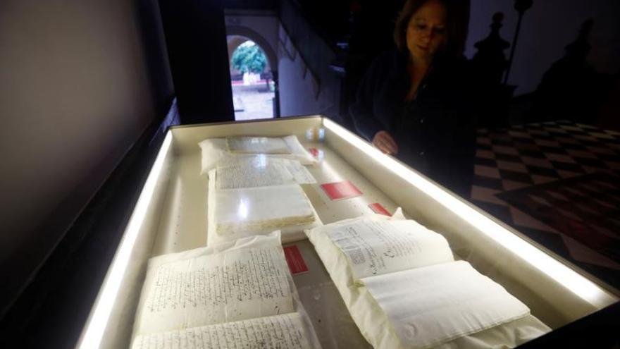 El II Congreso Internacional sobre San Juan de Ávila permite la exhibición de una docena de libros, el más antiguo con más de quinientos años de antigüedad, con los que trabajó y que se conservan en la Biblioteca Diocesana de Córdoba.