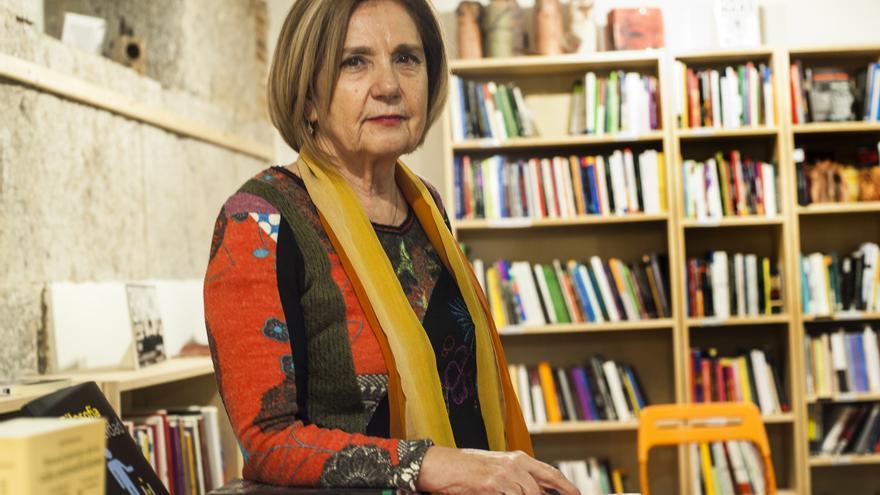 Isabel Tejerina en la Librería La Vorágine de Santander.  