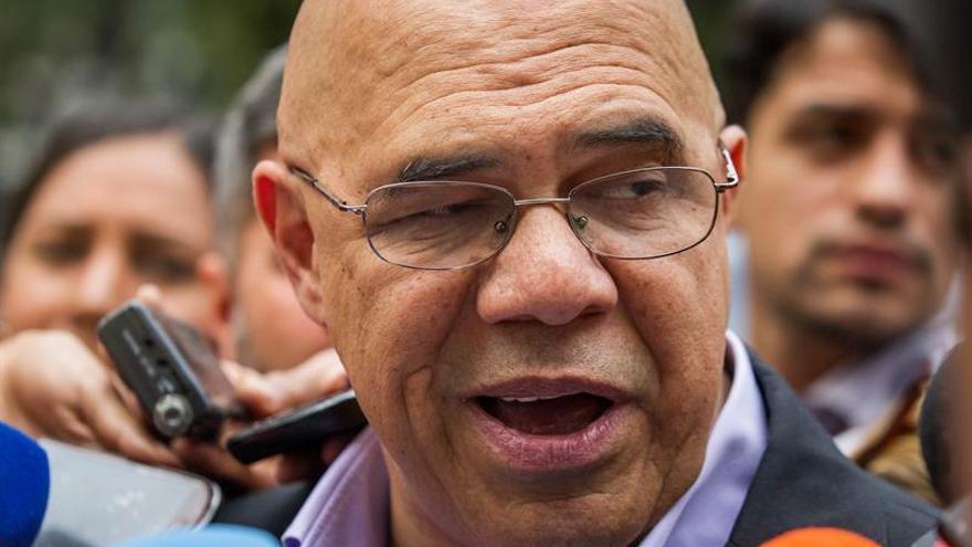 """La oposición venezolana, """"muy preocupada"""" por los pronósticos económicos para 2017"""