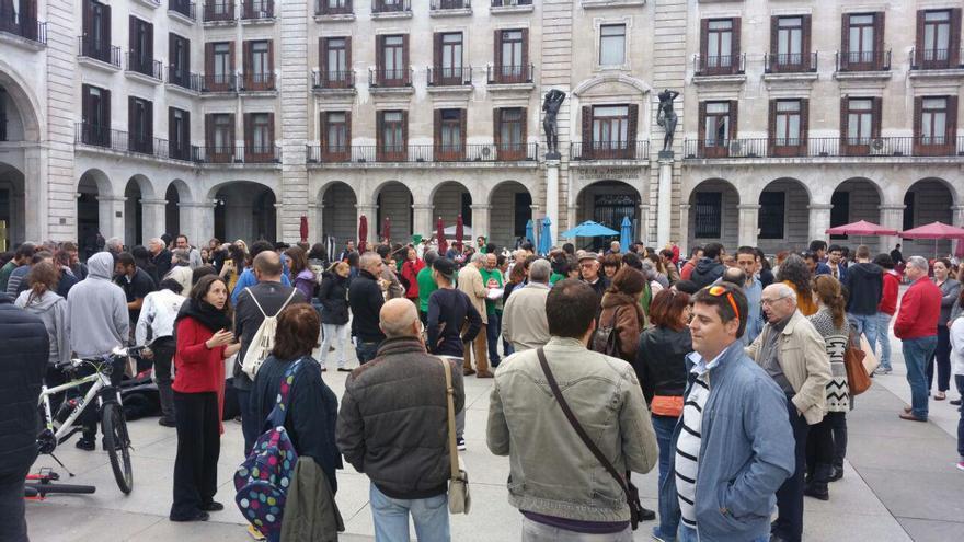 Concentración en la Plaza Porticada de Santander por el quinto aniversario del 15M.