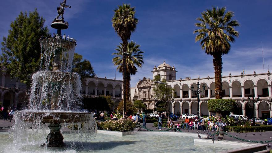 Plaza de Armas de la ciudad de Arequipa, corazón del casco colonial. VIAJAR AHORA