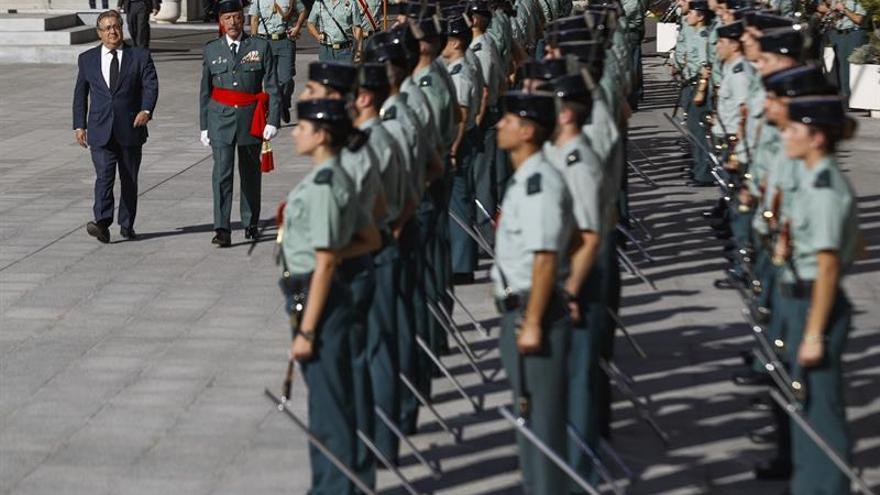Zoido destaca la serenidad de las fuerzas de seguridad en Cataluña pese a agravios