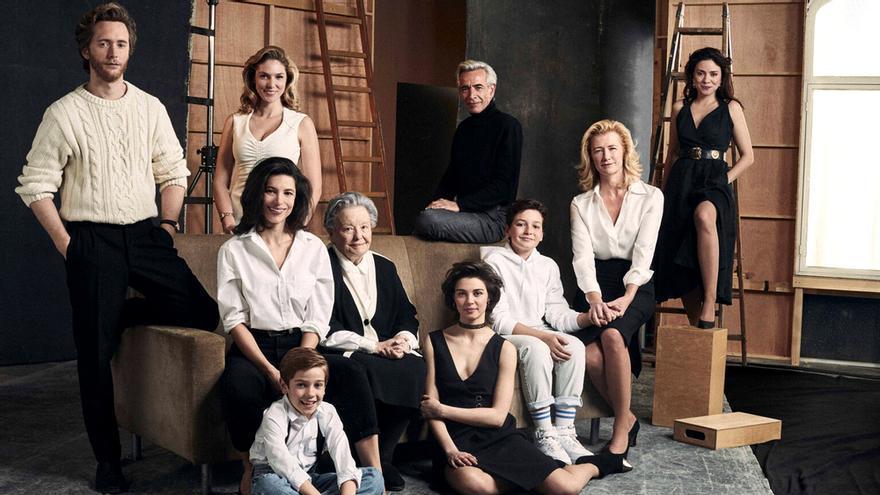 Foto promocional de 'Cuéntame' en su temporada 20, en los 90