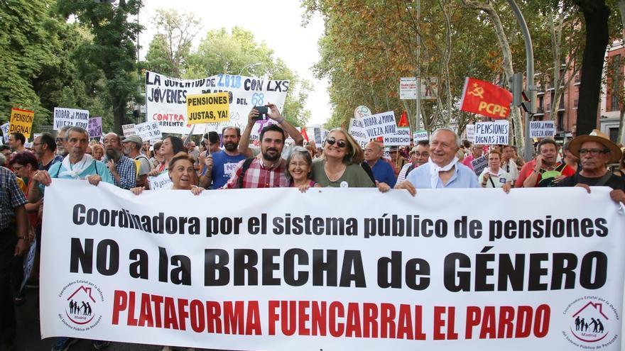 """Podemos se manifiesta en Madrid para que las pensiones suban """"al menos"""" lo mismo que suben los precios"""