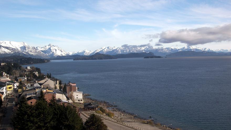 Casas de Bariloche a orillas del Lago Nahuel Huapi. Jeff Warren