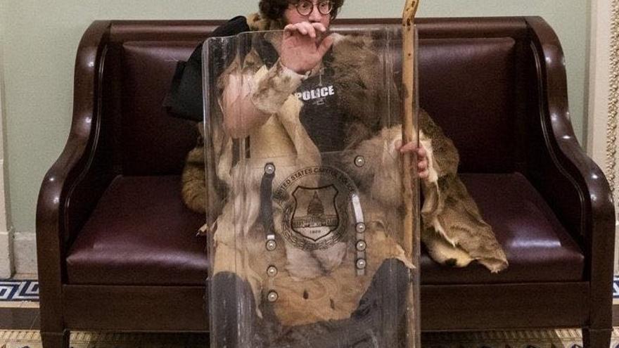 Uno de los asaltantes del miércoles al Capitolio.