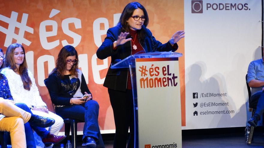 Mónica Oltra,durante el mítin de Compromís-Podemos en el teatro Olympia de Valencia.