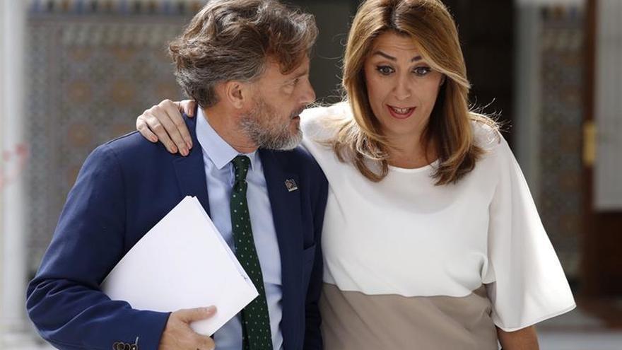 """Susana Díaz: """"Estaremos en la solución una vez se restablezca orden constitucional"""""""